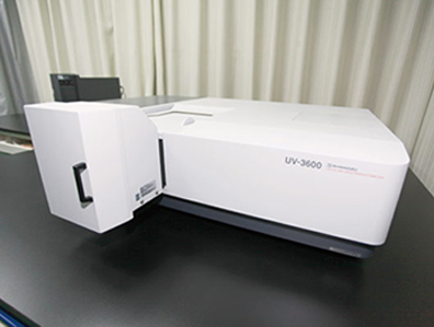 UV-visible-near-infrared spectrophotometer (UV-VIS-NIR)